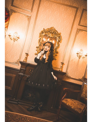 林南舒's 「Gothic Lolita」themed photo (2018/07/13)