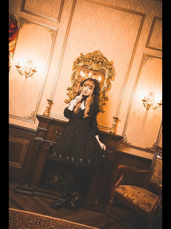 是林南舒以「Gothic Lolita」为主题投稿的照片(2018/07/13)