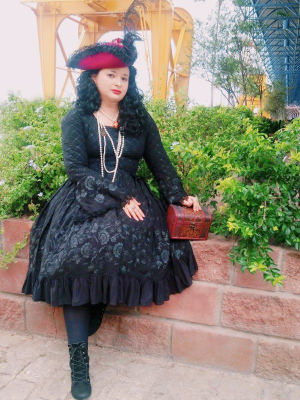 Regina Ramos's 「Gothic Lolita」themed photo (2018/08/01)