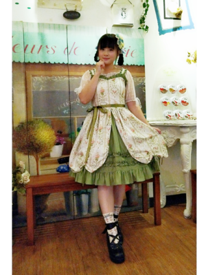Sayuki's 「Lolita fashion」themed photo (2018/08/08)