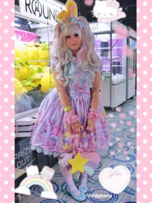 Pixy's 「Lolita」themed photo (2018/08/28)