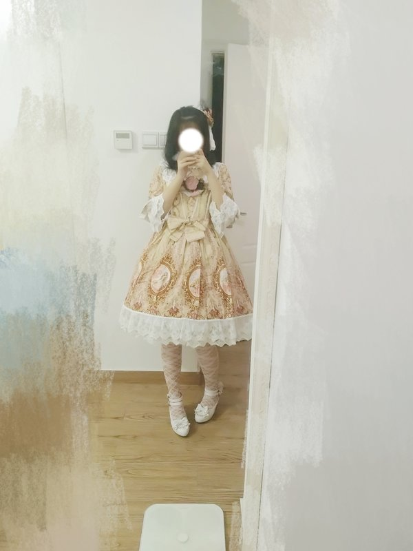 Sui 's 「Lolita fashion」themed photo (2018/09/11)