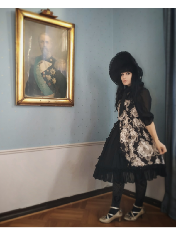 Perenelle Pitout's 「Lolita fashion」themed photo (2018/09/19)