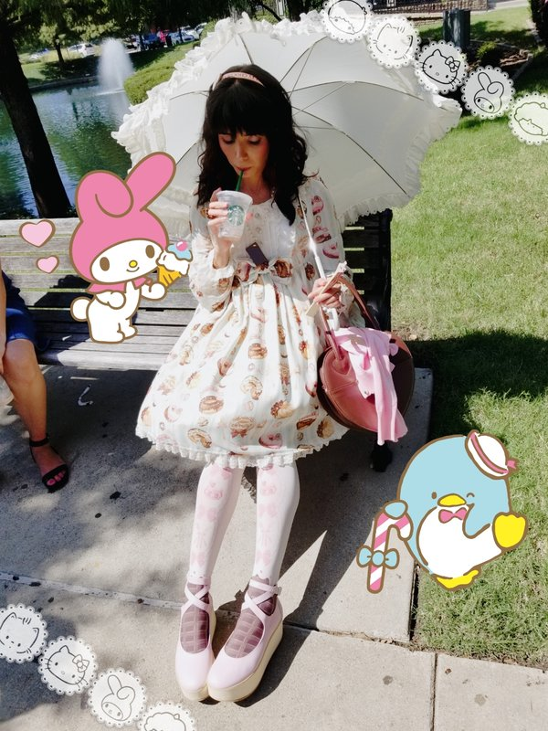 Eugenia Salinas's 「Lolita fashion」themed photo (2018/09/20)