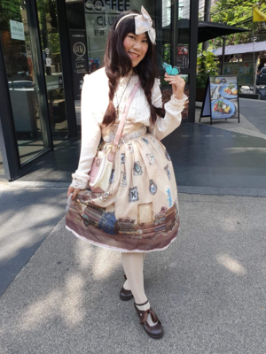 Tanya E's 「Lolita」themed photo (2018/10/06)