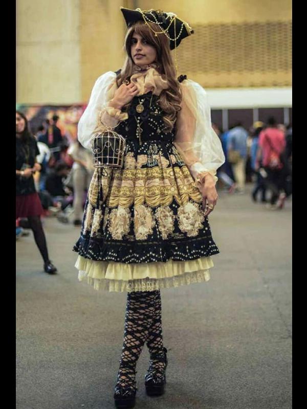 Eleanor Loire's 「Classic Lolita」themed photo (2018/10/18)