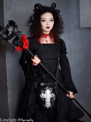 Qiqi's 「Halloween」themed photo (2018/10/23)