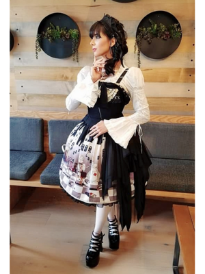 Eugenia Salinas's 「Lolita fashion」themed photo (2018/11/04)