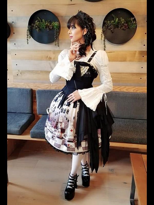 Eugenia Salinas's 「Lolita fashion」themed photo (2018/11/04)
