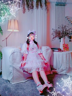 MINTCHO's 「Lolita」themed photo (2018/11/08)