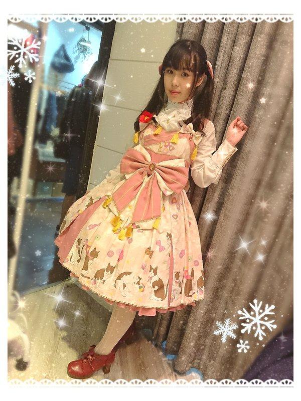 望's 「Lolita」themed photo (2018/11/25)
