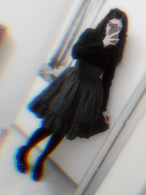 Amanda's 「Lolita」themed photo (2019/01/05)