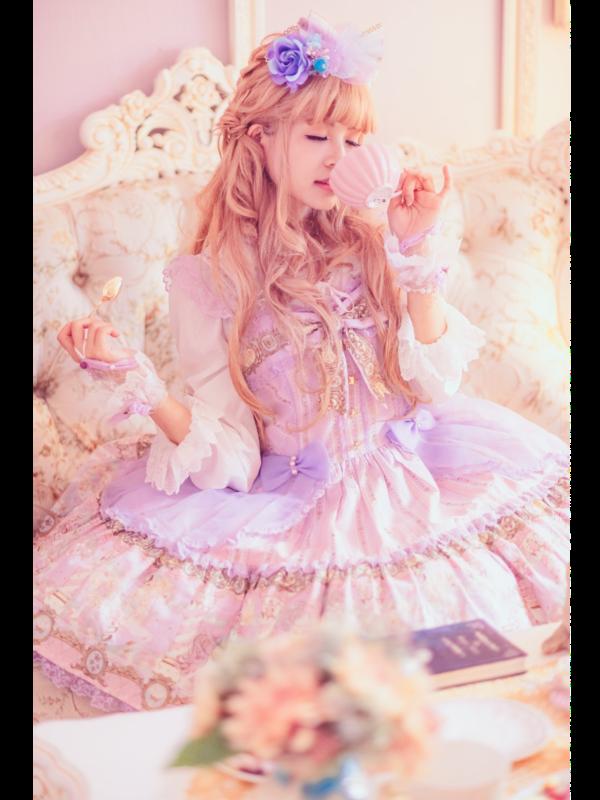 林南舒's 「Lolita」themed photo (2019/01/07)