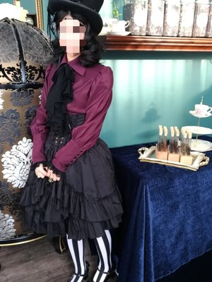 Carmilla's 「Gothic Lolita」themed photo (2019/01/09)
