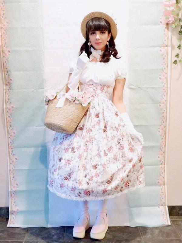 Eugenia Salinas's 「Lolita fashion」themed photo (2019/01/13)