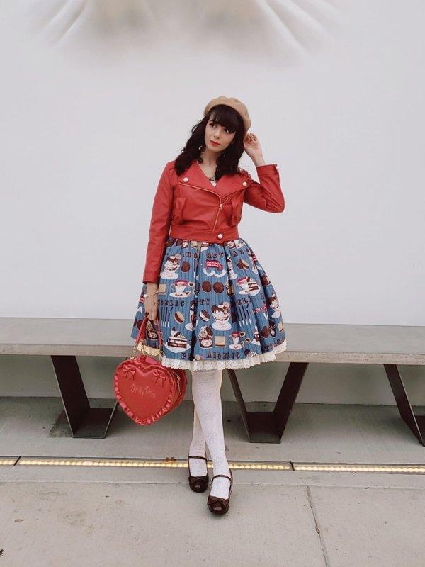 Eugenia Salinas's 「Lolita fashion」themed photo (2019/02/05)