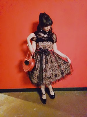 Eugenia Salinas's 「Lolita」themed photo (2019/02/18)
