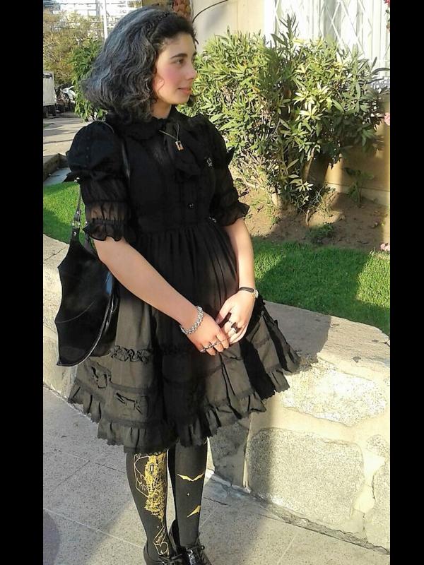 Catalina Segovia's 「Black」themed photo (2019/02/28)
