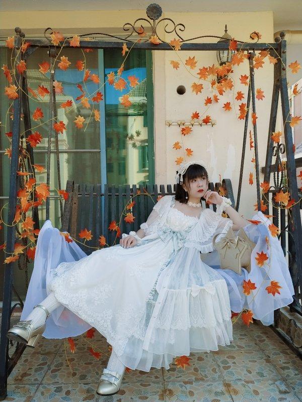 芜凉Kiyo's 「Lolita」themed photo (2019/03/12)