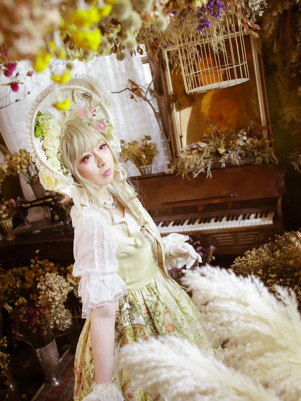 兔小璐's 「Lolita」themed photo (2019/04/01)