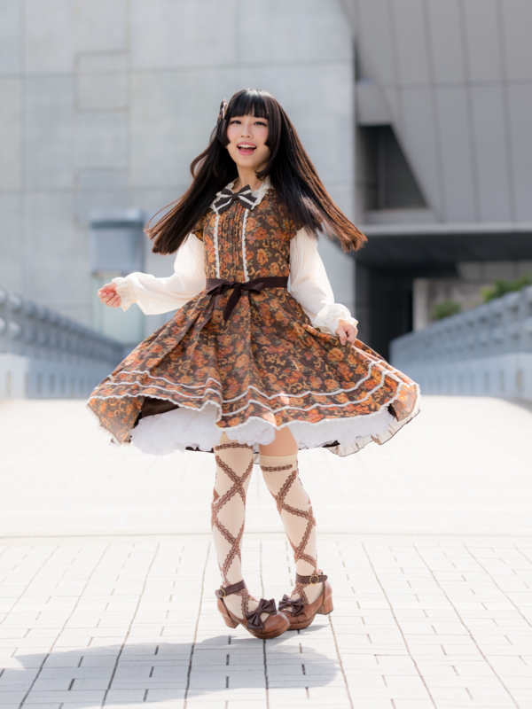 Noah's 「Lolita」themed photo (2019/04/22)