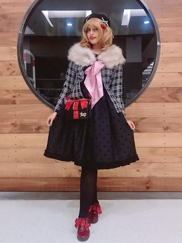 Eleanor Loire's 「Lolita」themed photo (2019/05/14)