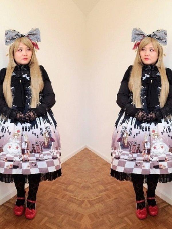 Soonji's 「Lolita」themed photo (2019/05/23)