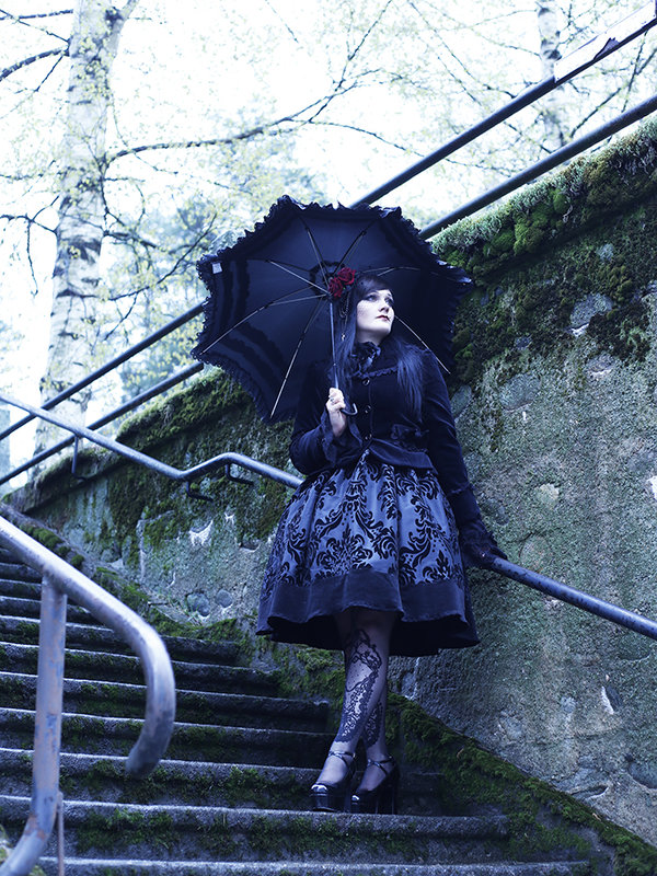 Marjo Laine's 「Gothic Lolita」themed photo (2019/06/05)