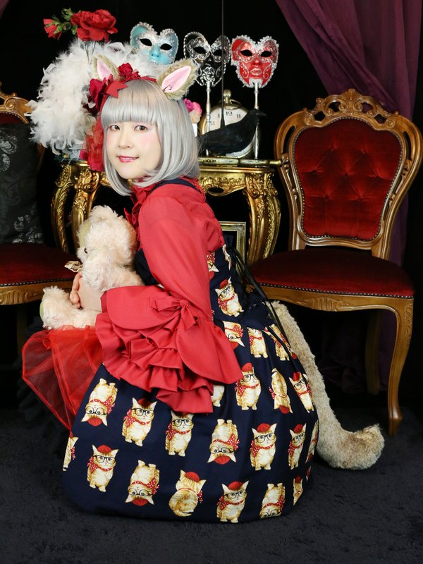 Satellite Door's 「Lolita fashion」themed photo (2019/06/07)