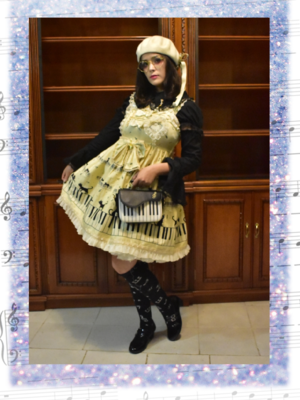 Sandra Vallejos's 「Lolita」themed photo (2019/06/12)