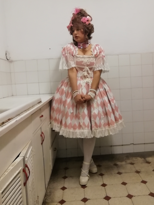 Vanessa Huaytan's 「Lolita」themed photo (2019/06/19)