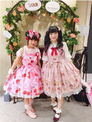 舞's 「Pink」themed photo (2019/07/05)