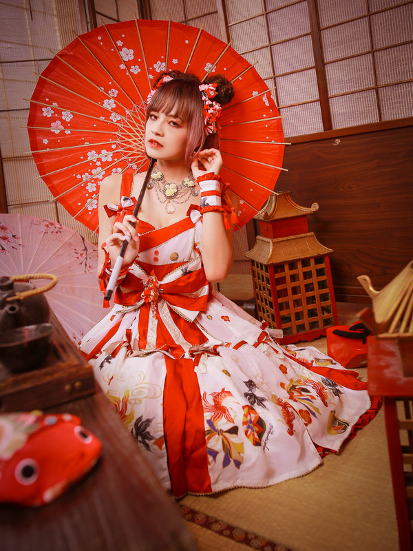 是林南舒以「Lolita fashion」为主题投稿的照片(2019/08/09)