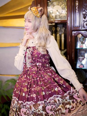 SINA's 「Lolita」themed photo (2019/08/14)