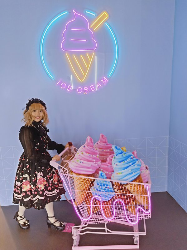 Zora's 「Lolita」themed photo (2019/09/06)
