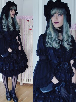 Fortune Tea Lady's 「Gothic」themed photo (2017/06/04)