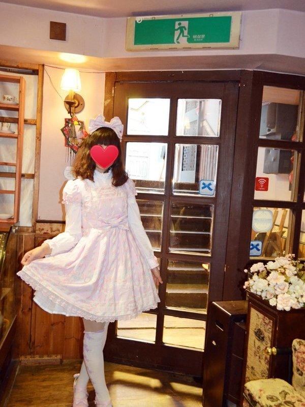 Alpaca's 「Angelic pretty」themed photo (2017/06/05)