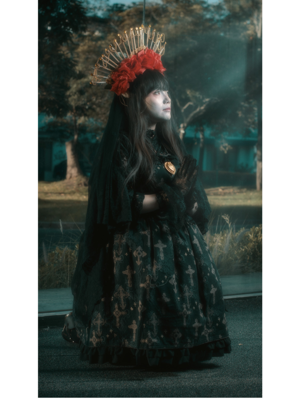 L chan's 「Lolita」themed photo (2019/12/06)