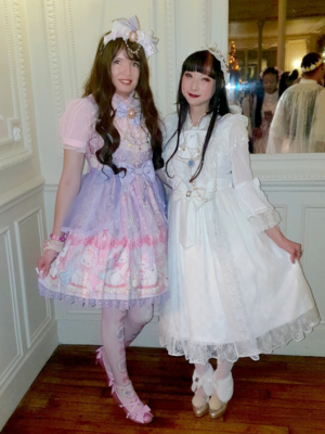 Lina Nekolita's 「Angelic pretty」themed photo (2019/12/18)