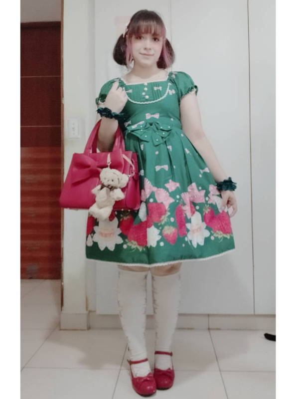 是Andrea以「Lolita fashion」为主题投稿的照片(2019/12/29)