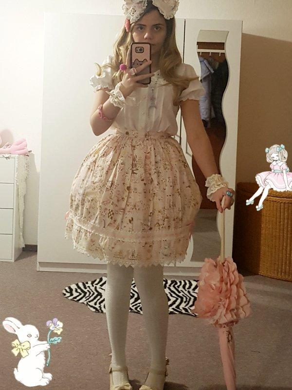 Amanda's 「Lolita」themed photo (2020/02/07)