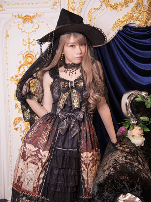 SINA's 「Lolita」themed photo (2020/02/20)