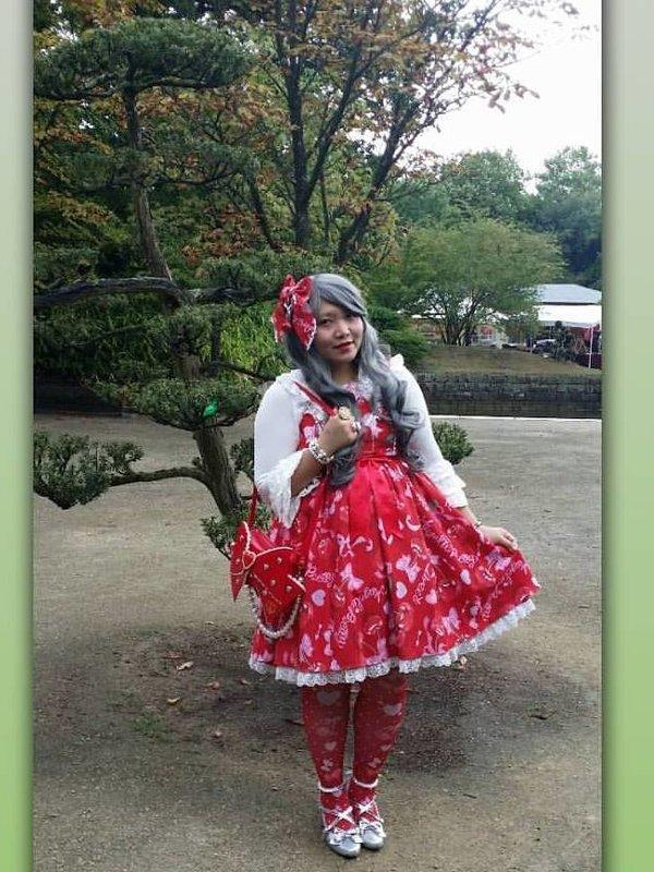 Soonji's 「Cherry」themed photo (2020/03/05)