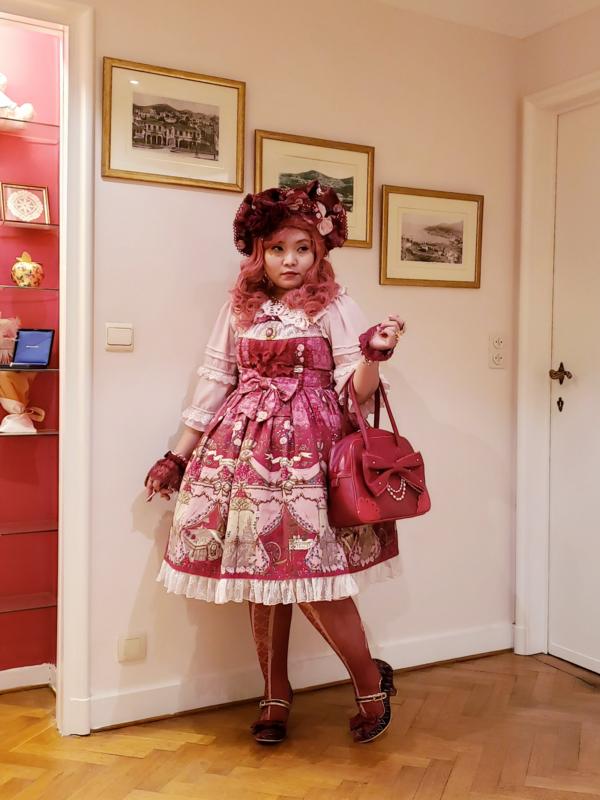 Soonji's 「Lolita fashion」themed photo (2020/03/15)