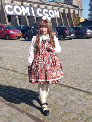 Soonji's 「Lolita fashion」themed photo (2020/03/15)
