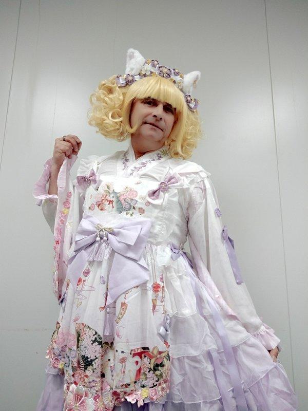 Anaïsse's 「Lolita」themed photo (2020/04/02)