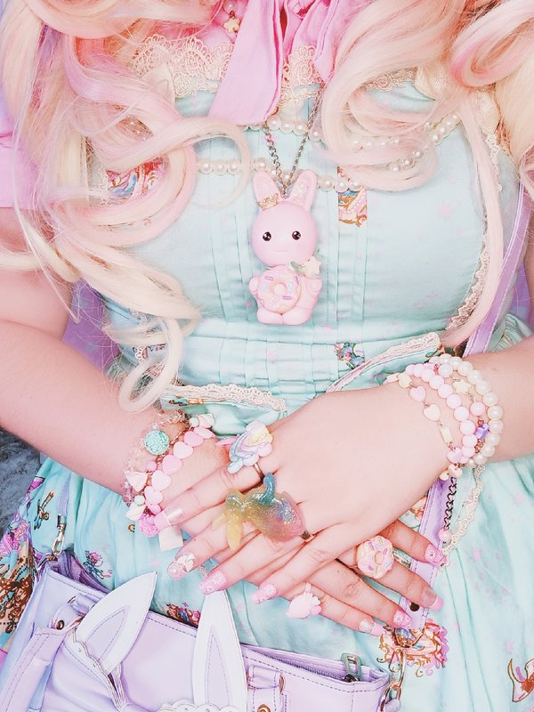 NeeYumi's 「Lolita」themed photo (2020/04/10)