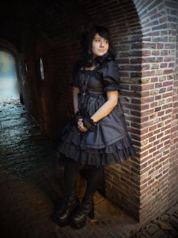 Naemiya's 「Gothic Lolita」themed photo (2020/04/21)
