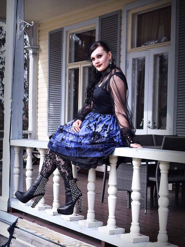 Marjo Laine's 「Gothic Lolita」themed photo (2020/04/28)
