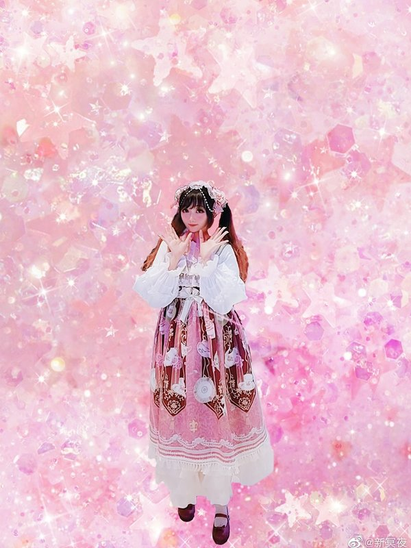 Luna Lucifer's 「Lolita fashion」themed photo (2020/05/14)